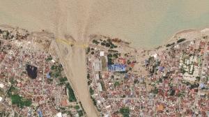 Zerstörte Brücke im indonesischen Palu nach dem Tsunami am 28. September 2018. Bild: Planet