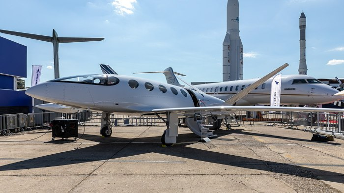 """Prototyp """"Alice"""" von Eviation Aircraft bei der Vorstellung auf der Pariser Luftschau 2019."""